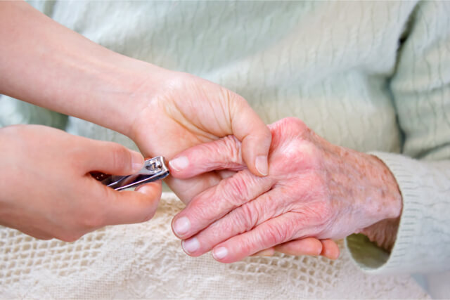 how to trim nails for the elderly